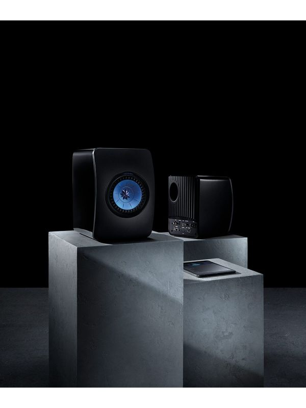 LS50 Wireless Powered Music System Black Lifestyle